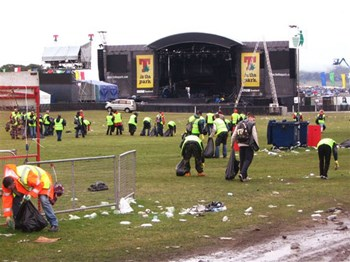 Tinthepark2006c Lifes So Much Quieter Without Him Eh
